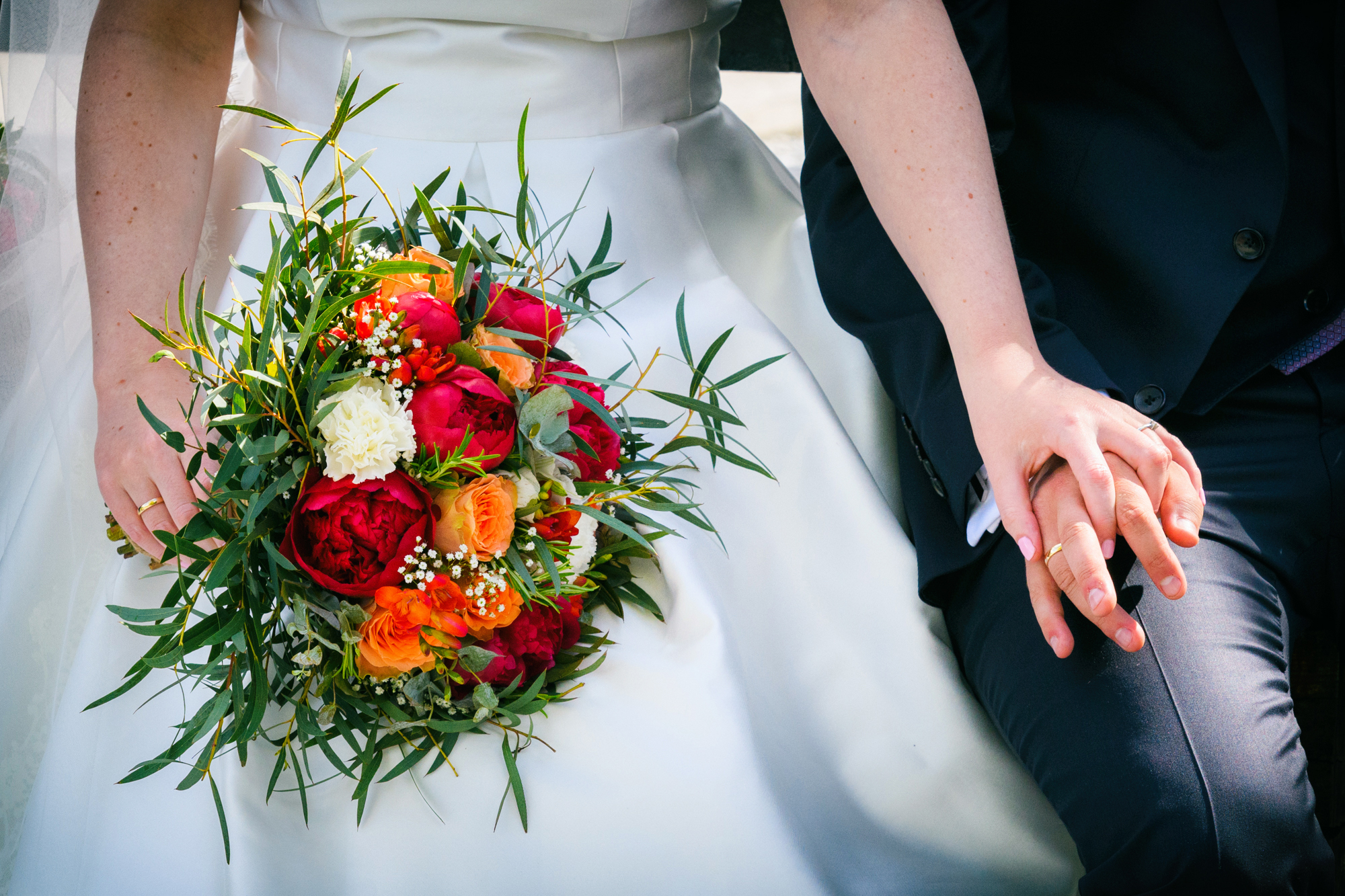 Norwegian wedding flowers and rings