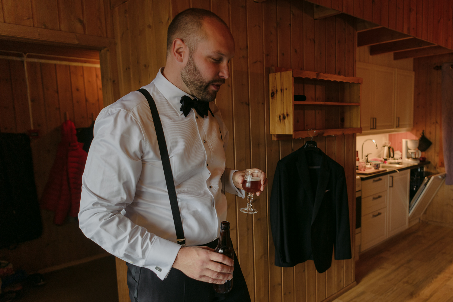 Bessheim Mountain Lodge wedding groom prep