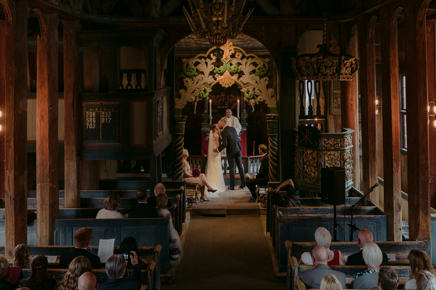 Lom Stave Church Wedding first kiss
