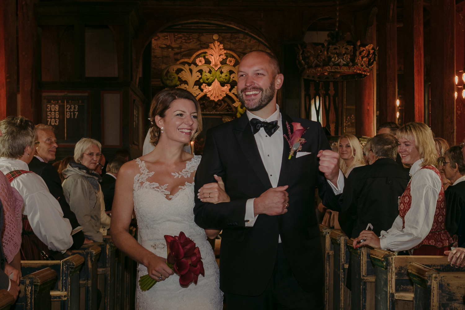 Lom Stave Church Wedding just married