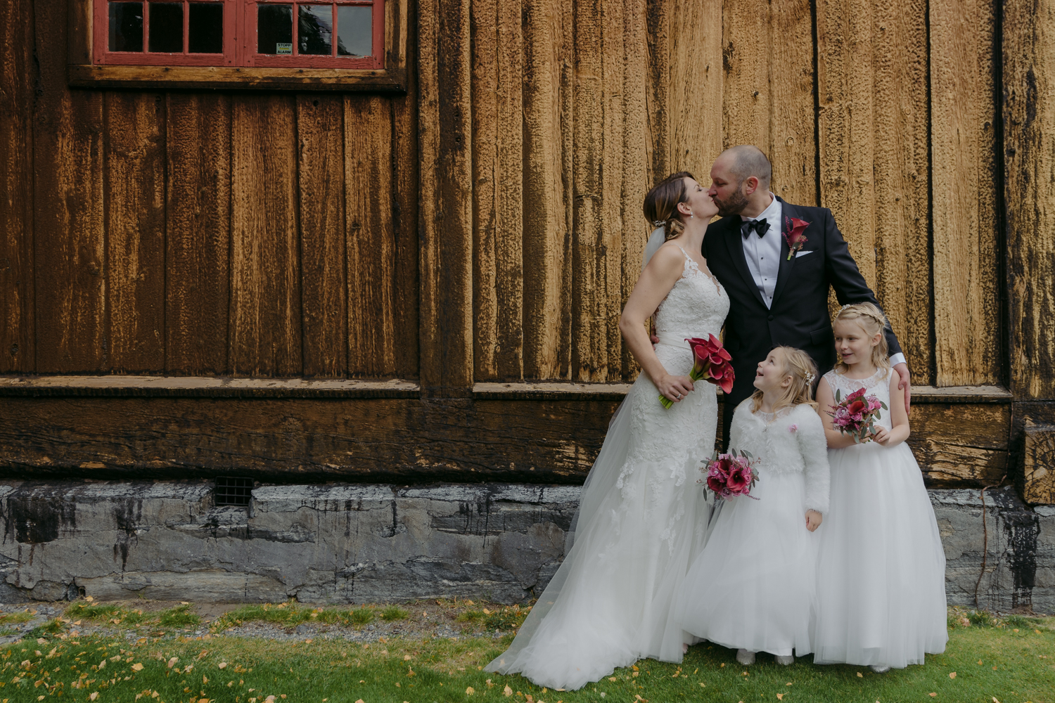 LOM Stave Church Wedding Family Portrait