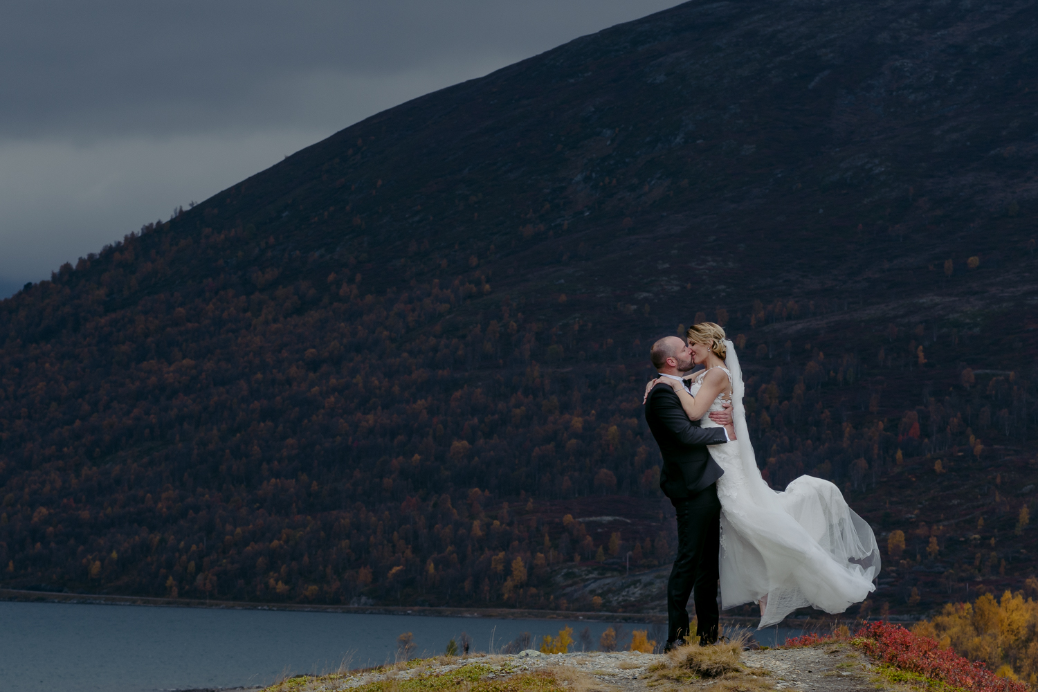 Norwegian wedding couple portrait in the mountains