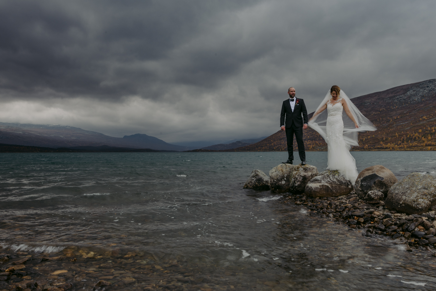 Norwegian wedding couple portrait near water