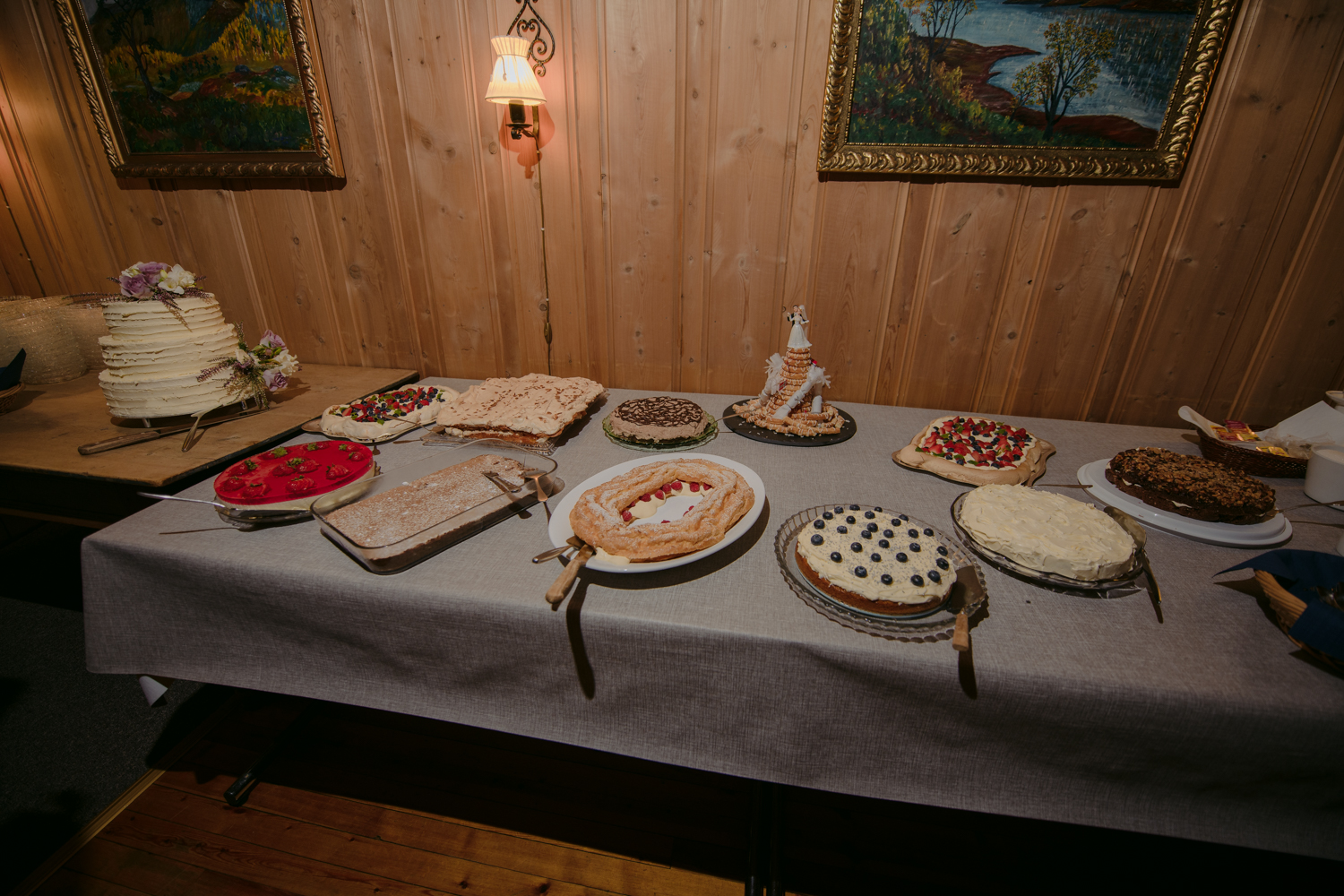 Bessheim Mountain Lodge Wedding cakes and pies